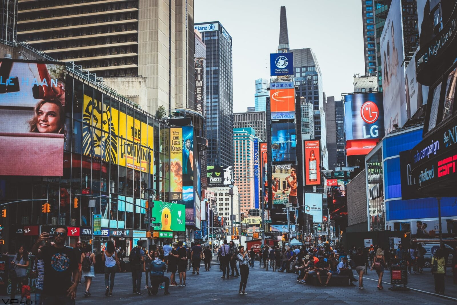 นักข่าวจะปล่อยลูกบอลยักษ์ในงานเคาท์ดาวที่ Time Square